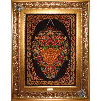 تابلویی فرش دستباف تمام ابریشم قم طرح گل آویز هشتاد رج