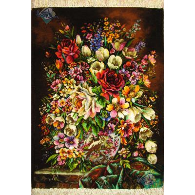 تابلو فرش دستباف تبریز طرح گلدان چینی و پارچه چله و گل ابریشم بدون قاب